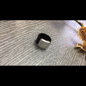Jewelry - Black and Silver Ring in 5.5